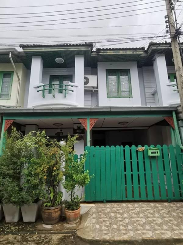 ขายและให้เช่าทาวน์เฮ้าส์ 2 ชั้น หมู่บ้านชมฟ้า-วรางกูล คลอง 2 ถ.รังสิต-นครนายก คลองสอง, รังสิต-นครนายก, ปทุมธานี,คลอง 2,ธัญบุรี,ประชาธิปัตย์